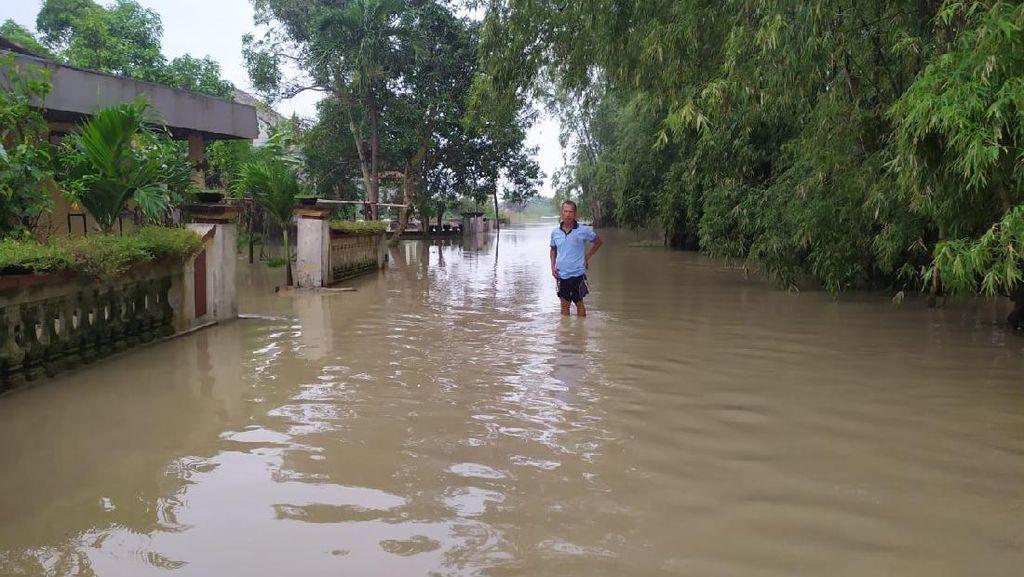 Kali Lamong Meluap Rendam 5 Desa di Gresik