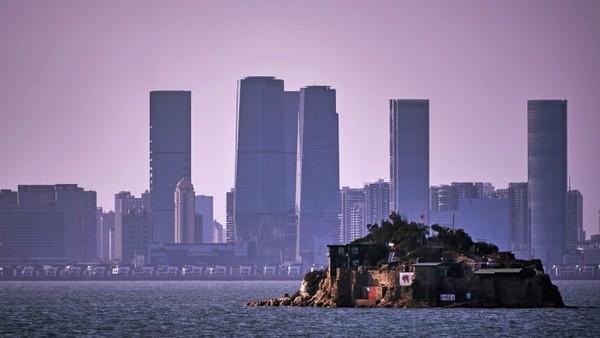Pulau Kinmen adalah bagian dari Kabupaten Kinmen secara luas. Wilayah ini terdiri dari beberapa pulau kecil di Selat Taiwan antara Kota Xiamen di China daratan dan pulau utama Taiwan.