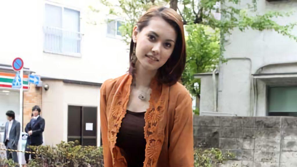 Lihat Lagi Potret Miyabi Berkebaya