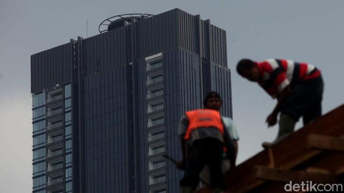 Gubernur DKI Jakarta Anies Baswedan menetapkan Peraturan Gubernur Nomor 118 Tahun 2020 untuk mempercepat perizinan gedung dan mendorong geliat sektor properti.