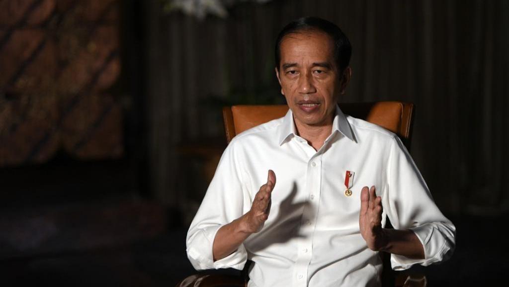 Alasan Jokowi Tetap Pilih PPKM Mikro Tekan Lonjakan COVID-19