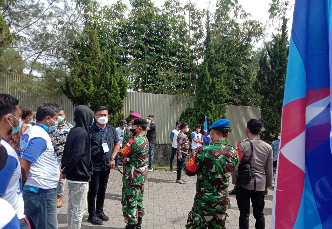 Satgas COVID-19 Sumut mendatangi arena KLB Partai Demokrat di Sibolangit (Ahmad Arfah-deitkcom)