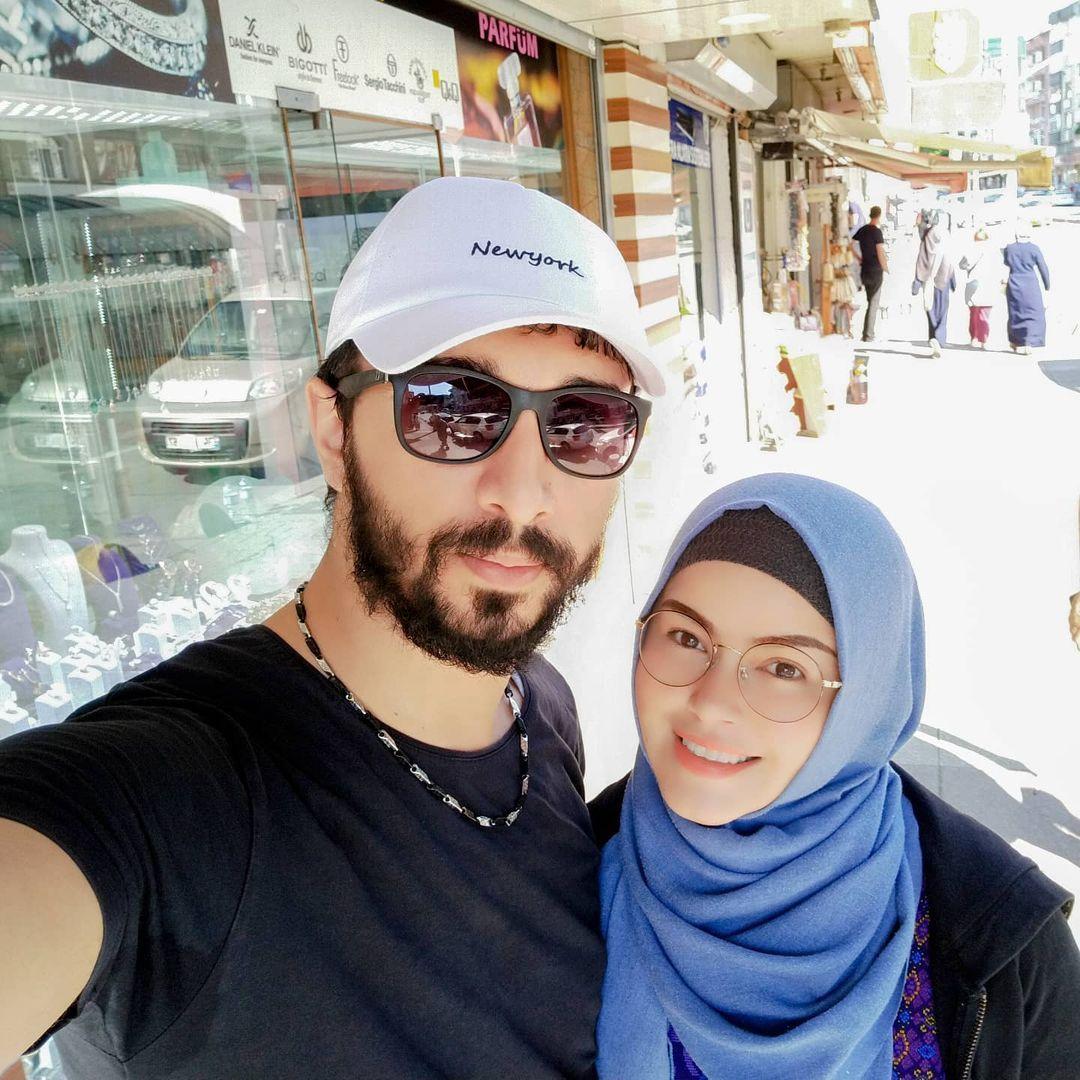 Siti Liza dan Suami