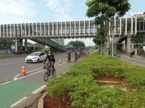 Cegah Pemotor Masuk Jalur Sepeda Permanen di Sudirman, Dishub Berjaga