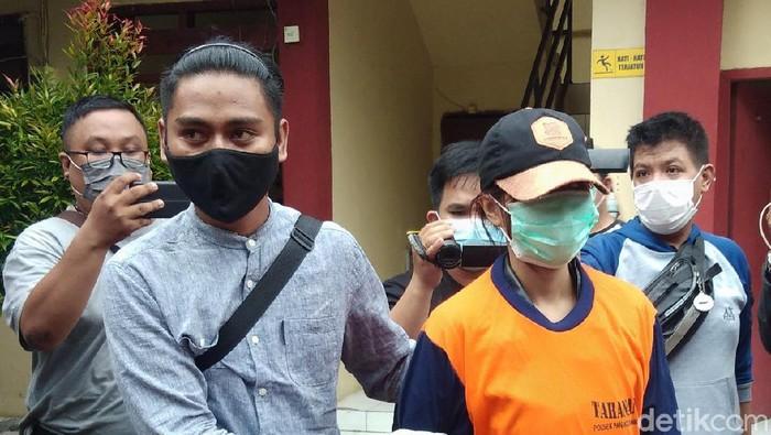 Tampang mahasiswi AA pembunuh selebgram Makassar Ari Pratama.