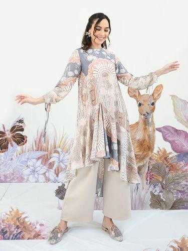 Wearing Klamby Adakan Annual Digital Show Bertajuk Keindahan Alam Sulawesi