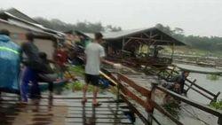 Hujan Angin, Jembatan Apung Surapatin di Waduk Saguling Putus