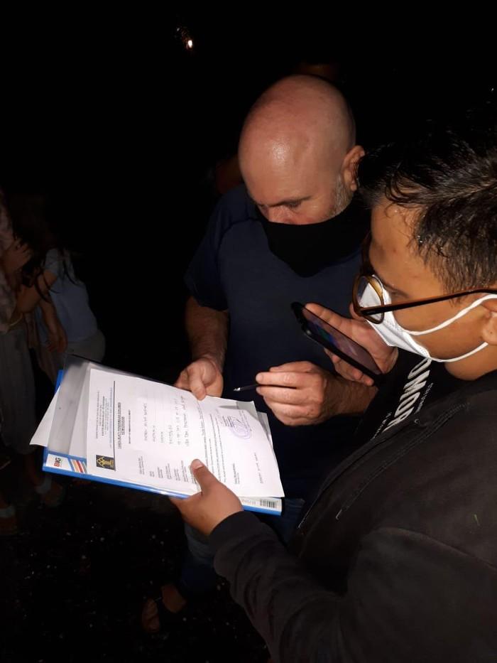 Kemenkumham Bali selidiki bisnis praktik kelas orgasme yang dibuat WN Australia di Ubud, Gianyar (dok Kanwil Kemenkumham Bali)