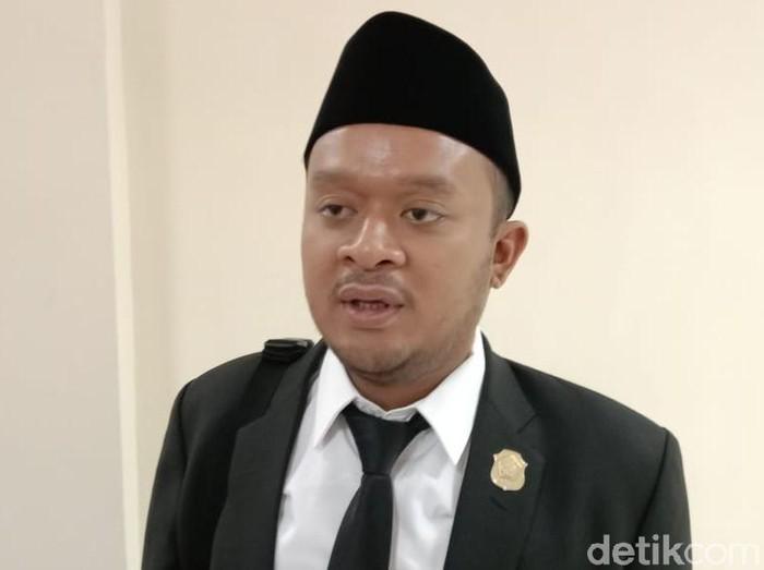 DPC Partai Demokrat Lamongan tetap pada pendirian menolak KLB Demokrat di Deli Serdang, Sumatra Utara. DPC juga memastikan tidak ada anggota atau pengurus Lamongan yang hadir di KLB tersebut.
