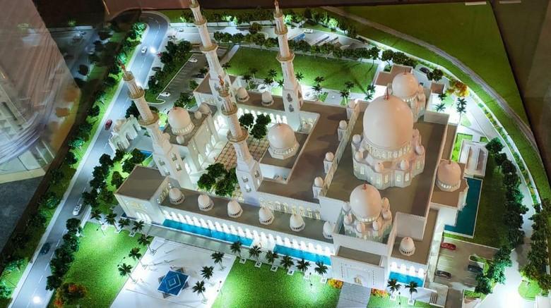 Masjid hadiah dari Pangeran Uni Emirat Arab (UEA) Sheikh Mohamed bin Zayed Al Nahyan untuk Presiden Joko Widodo resmi dibangun di Solo, Jawa Tengah (Jateng), Sabtu (6/3/2021)