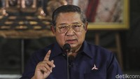 Tentang Wayang Diapit Foto Ibunda-Bu Ani saat SBY Tanggapi KLB Demokrat