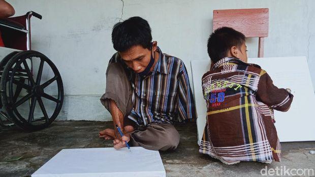 Suasana di Sanggar Seni Mewarnai Dunia di Klaten, Rabu (3/3/2021)
