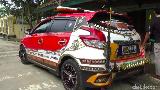 Mengintip Musala Rp 11 M Punya Pemilik Mobil Berlapis Emas-Berlian