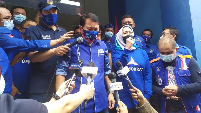 Acara cap jempol darah pengurus Demokrat DKI Jakarta (Luqman-detikcom)