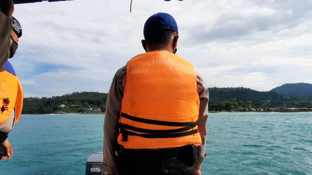 Pencarian Dua Bocah Tenggelam di Dermaga Palabuhanratu