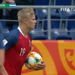 Video Kilas Balik: Erling Haaland Cetak 9 Gol di Satu Laga!