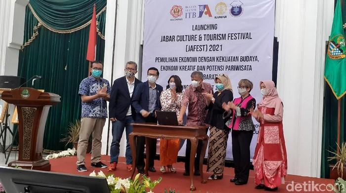 IKA alumni universitas di Jabar menggelar JaFest 2021
