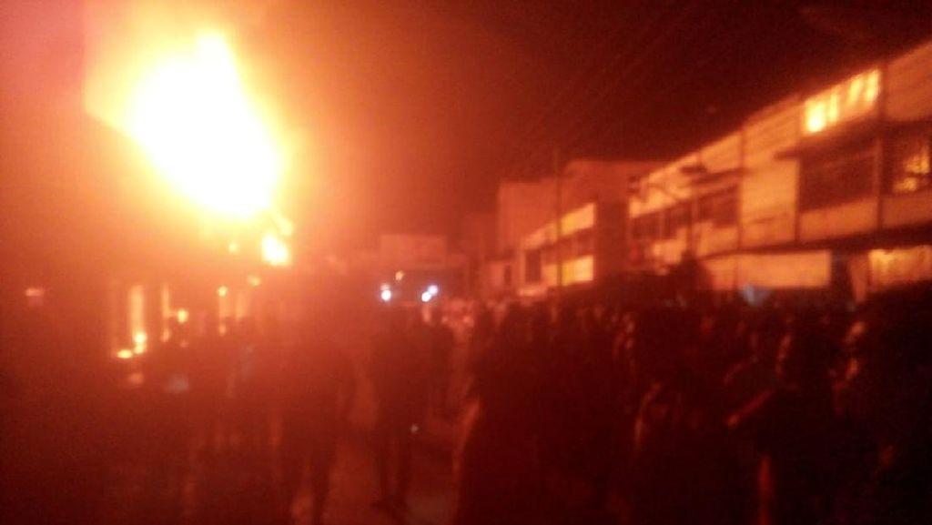 Kebakaran Terjadi Kotapinang Sumut, 11 Ruko Hangus