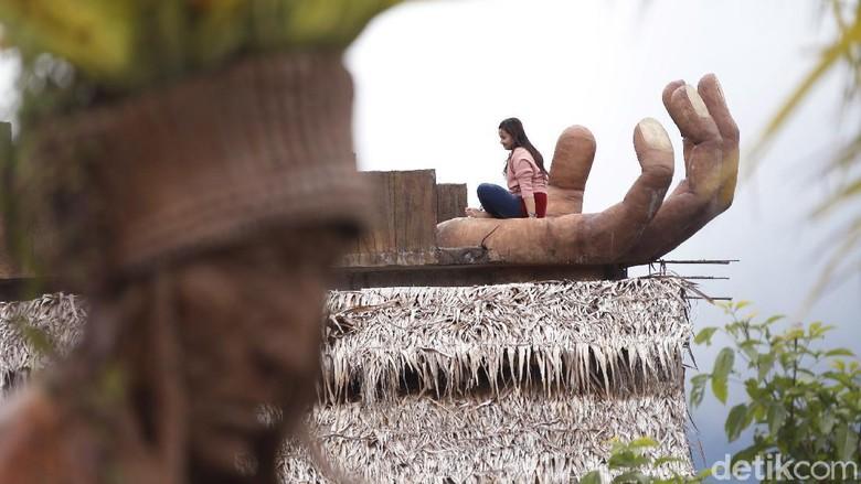 Malang memiliki sejuta pesona wisata yang seolah tak pernah ada habisnya. Salah satunya adalah The Roudh 78 yang terletak di areal Desa Wisata Pujon.