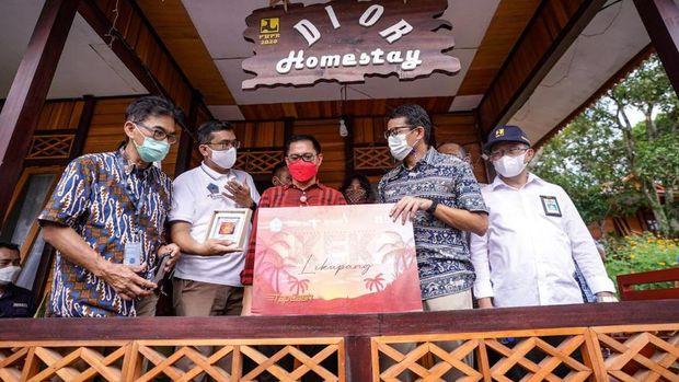 Menparekraf Sandiaga Uno di desa Wisata Marinsow, Likupang, Sulut