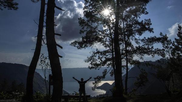 Pesona alam wisata Danau Toba untuk dijual kepada para pelancong luar negeri nampaknya tak akan sia-sia.