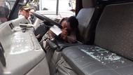 Demo Hari Perempuan Sedunia di Malang Ricuh, Pendemo Pecah Kaca Truk Polisi