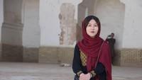 Dia, Guide Perempuan Pertama dan Satu-satunya di Tanah Konflik Afghanistan