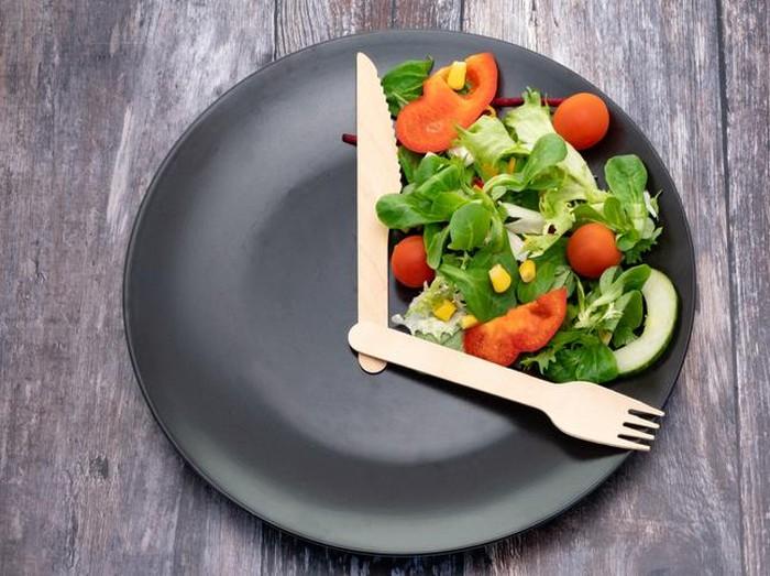 Jam Makan Diet Agar BB Turun 4,5 Kg Seminggu, Coba Diet 8 Jam Ini