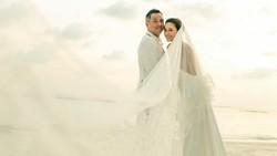 Dinikahi David Tjiptobiantoro di Maldives, Ini Gaun Cantik Julie Estelle