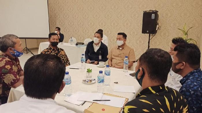 Kepala Staf Kepresidenan Moeldoko saat membahas konflik agraria di Medan (Foto: dok. KSP)