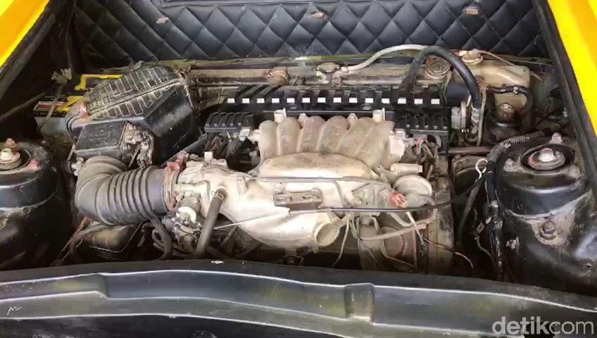 Sebuah bengkel di Gunungkidul menyulap tampilan Mitsubishi Galant tahun 2000 menyerupai Lamborghini Aventador. Seperti apa penampakannya? Lihat yuk.