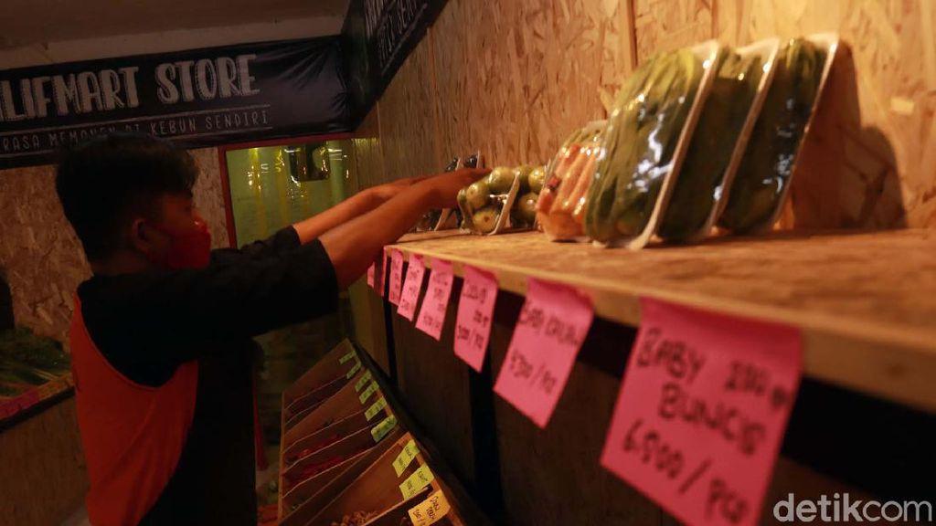 Menengok Bisnis Santri Milenial di Bandung