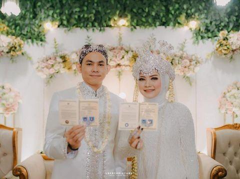 MUA yang viral di TikTok, dandan sendiri saat hari pernikahannya