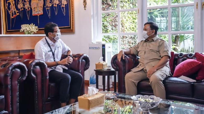 Menteri Pariwisata dan Ekonomi Kreatif (Menparekraf) Sandiaga Salahuddin Uno bertemu Menteri Pertahanan Prabowo Subianto di Kantor Kemenhan, Jakarta.