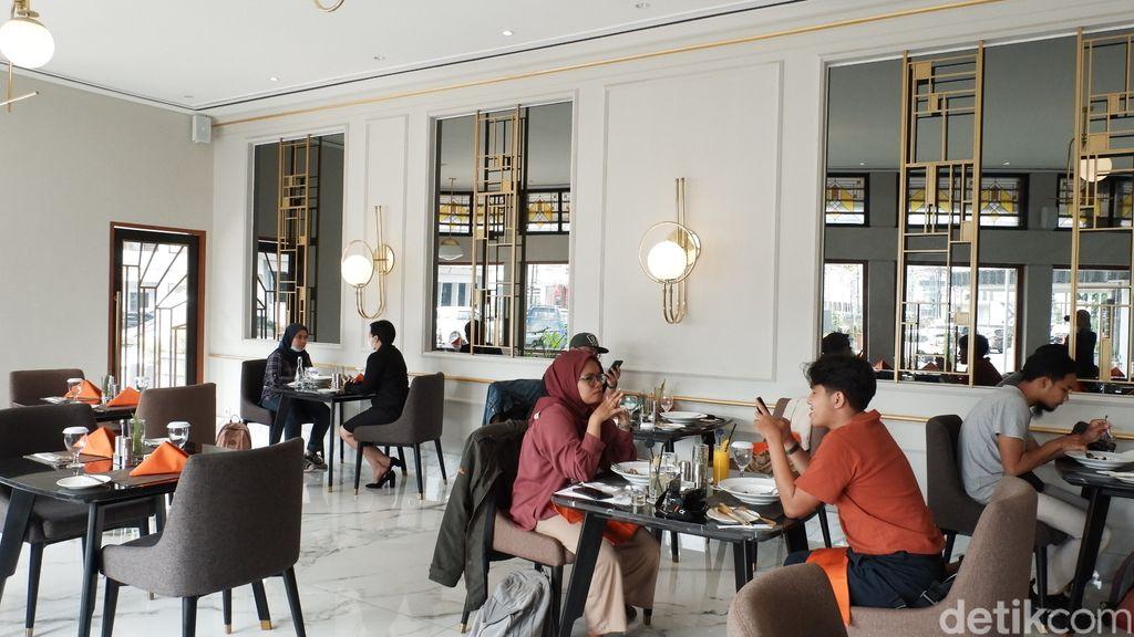 Restoran Sidewalk Heritage di Bandung