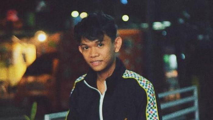 Selebgram Makassar Ari Pratama (dok. Istimewa).