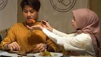 So Sweet! Rizky Billar Paling Suka Makan Disuapin Lesti Kejora