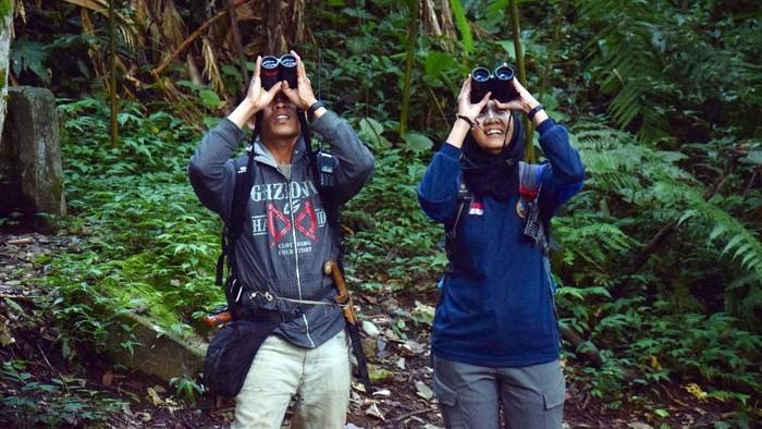 Sosok Ayu yang bernama lengkap Rayahu Oktaviani adalah seorang Primatologis dan edukator dalam upaya penyelamatan satwa primata Owa jawa (Hylobates moloch).