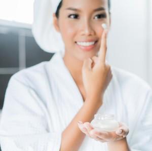 5 Pelembap untuk Menjaga Skin Barrier, Cegah Jerawat Hingga Penuaan