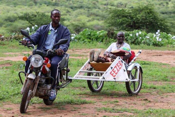 Ambulans Motor untuk Bantu Ibu Melahirkan di Afrika