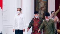 Potret Pertemuan Singkat Amien Rais dkk dan Jokowi Bahas Km 50