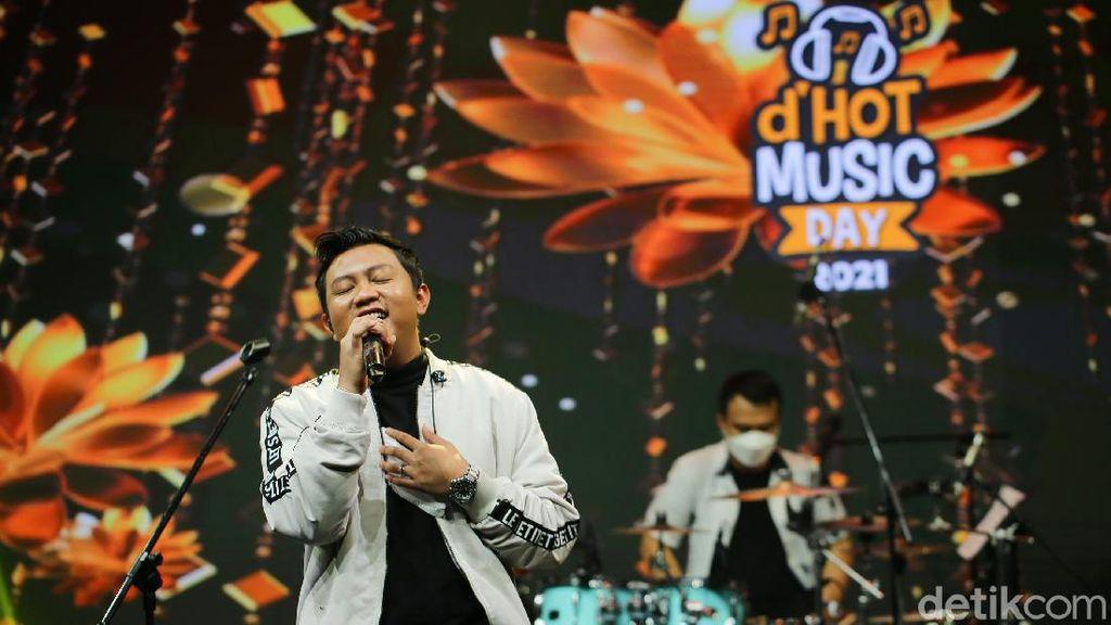 5 Penyanyi Pria Yang Terkenal Karena Nyanyi Lagu Bahasa Jawa