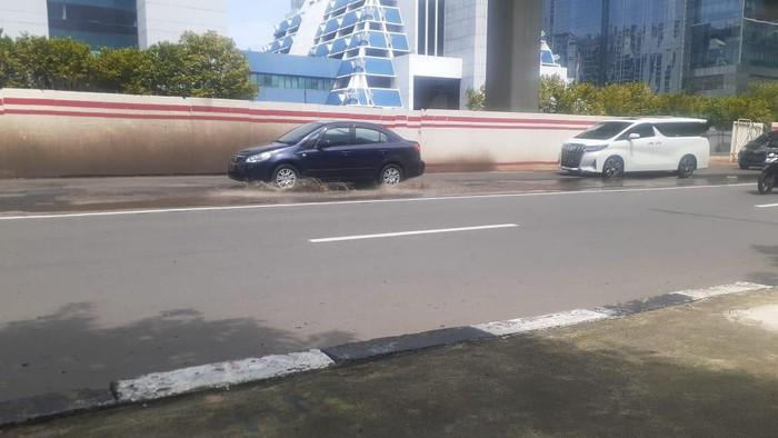 Jl HR Rasuna Said yang rusak kini sudah diperbaiki, Selasa (9/2/2021).