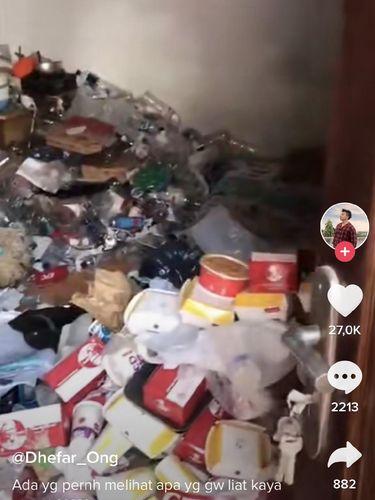 Viral kamar kost penuh dengan sampah
