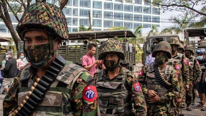 Kudeta Myanmar: Kerajaan bisnis misterius dan menggurita yang mendanai militer