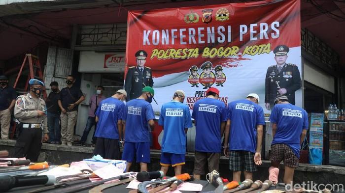 Pelaku tawuran di Bogor ditangkap polisi (M Solihin/detikcom)