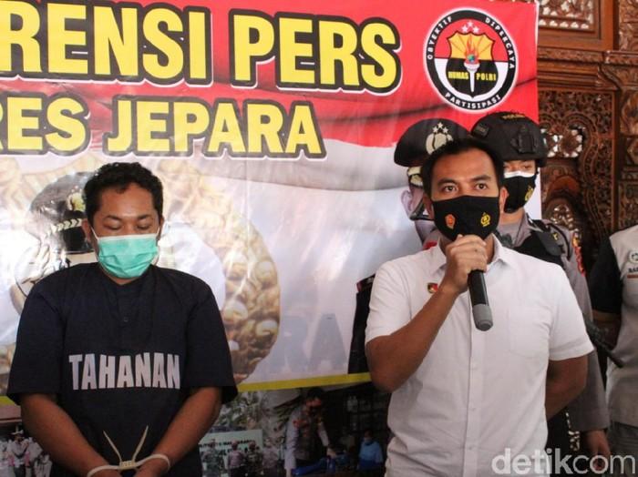 Polres Jepara merilis kasus pencurian motor spesialis jemaah masjid, Selasa (9/3/2021).