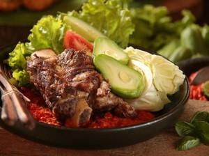 Resep Iga Penyet ala Restoran yang Empuk Juicy