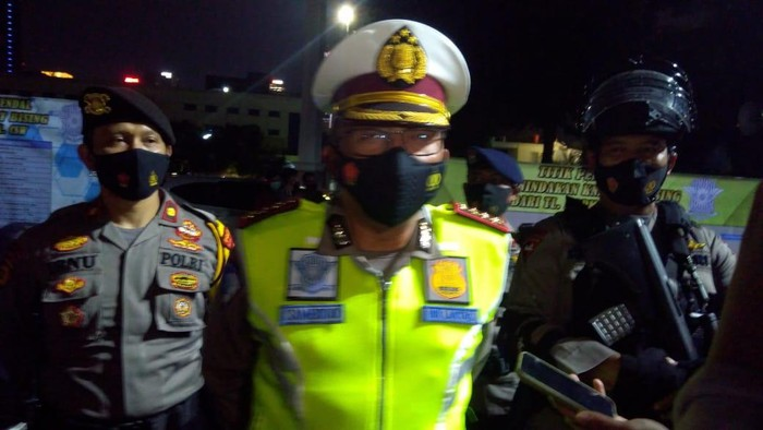 Dirlantas Polda Metro Jaya Kombes Sambodo Purnomo Yogo pimpin apel razia knalpot bising.