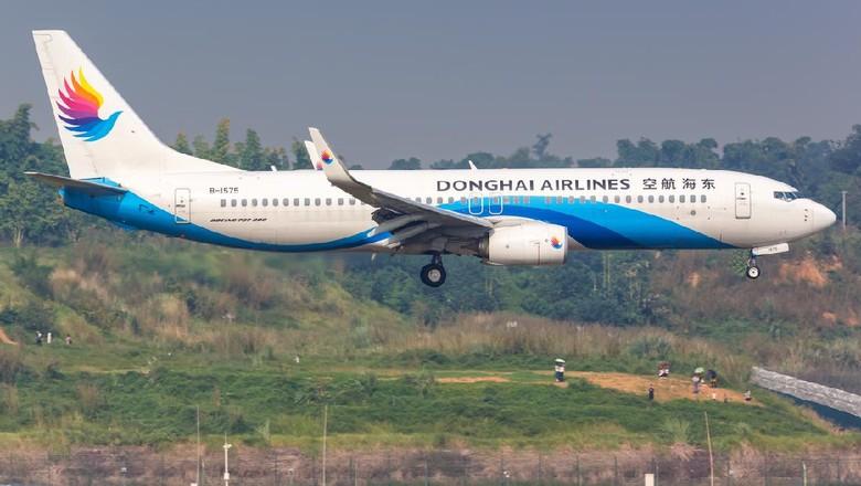 Penerbangan maskapai asal China dikejutkan dengan pertengkaran pramugari dan pilot di atas pesawat. Parahnya lagi, masalahnya hanya gara-gara aturan toilet.
